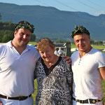 mit meinem Grosi und meinem Cousin Christian (Bild: Corinne Burren)