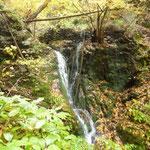 10:14 小さな滝