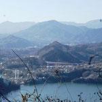 13:46 嵐山から滝子山方面の眺め