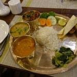 22日 ネパールの伝統料理ダルバート