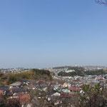 高台では湘南の海が一望