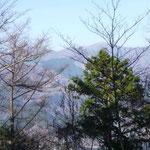 11:53 鷹ノ巣山方面の眺め