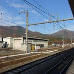 14:40猿橋駅着。ホームから今登った、扇山~百蔵山を眺めます