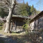 移築した、江戸幕府の学校「甲府徽典館」の門