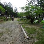 笠取小屋付近ではテントも