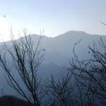 13:11 三頭山方面の眺め