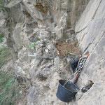 Bau von Brutnische für den Wanderfalken