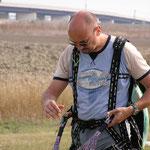 Inizio corso di paramotore in Toscana, agosto 2004