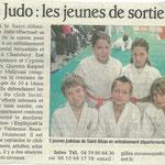 16 novembre 2010 - Le Dauphiné Libéré - Judo : les jeunes de sortie