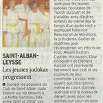 25 janvier 2011 - Le Dauphiné Libéré - Les jeunes judokas progressent