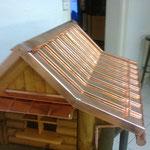Vogelhaus in Kupfer, Unterbau aus Holz