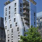 petit série dans le quartier de Confluence à Lyon, véritable laboratoire d'architecture