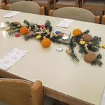 Weihnachtliche Tische