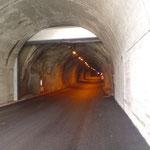Der 1,7 km lange Tunnel zum Tiefenbachferner