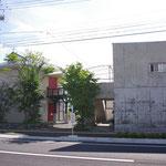 岡谷本館の前に2011年、新しく広い道路ができました