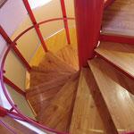 ぐるぐるぐる…まるでタイムスリップしちゃいそうな階段!!
