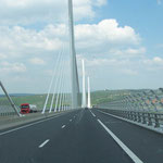Brücke von Millau - immerhin bis zu 230m hoch