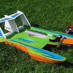 es Flugschiff es schwimmt,fahrt und flügt