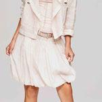 Jacket 909-24; Top 1002-5; Skirt 927-24; Belt 997-99