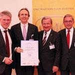 35 - Dr. Michael Hirt mit R. Bodenstein, CMC, (WKO NÖ), G. Prechtl, CMC (WKO), H. Michalitsch, CMC, Vorsitz CMC-Prüfungskommission, bei der Verleihung des Certified Management Consultant (CMC)-Diploms