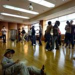 2012年新年の集い こどもとダンス風景