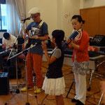 2012/7/1フランシーを囲む集い 小春演奏1