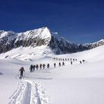 Aufstieg mit den Skien Märjelewang