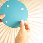 Spiegelfolie mit Klebepunkten versehen