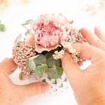 Zwischenräume zwischen unterem Ring und Hauptblüte auffüllen