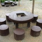 バーベキュー台(コンロは8人掛けになっています)