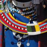"""HELFEN MACHT SCHULE Afrikakalender 2013: """"Farben Afrikas"""""""