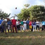 Außerdem fand ein Sportwettbewerb mit der benachbarten Uru Secondary School statt.