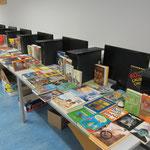 Der Helfen macht Schule Gebraucht-Bücherverkauf im Lernförderzentrum.