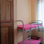 Ein 4´er Zimmer im Mädchenhaus (erbaut mit Unterstützung von HELFEN MACHT SCHULE).
