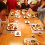 夕食も講師手作りの菜食イタリアンメニュー