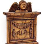 lápida con ángel