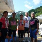 渡部夫妻、兼清英則氏と一緒に。カメラマンは兼清芳子さん。