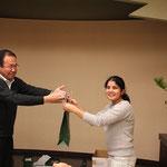 最初にビンゴしたのはネパールから博士課程に来ているマニタさん