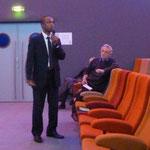 Patrick Gonin du laboratoire Migrinter et Abdoulaye BAH du Forum des Organisations de Solidarité Internationale nous ont apporté leur éclairage sur les enjeux des liens entre migrations et développement.  (Photo : site web de Tankanto Machecoul)