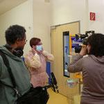 .... und so sieht das Personal aus, wenn es zu einem Kind mit Infektion ins Zimmer geht ....