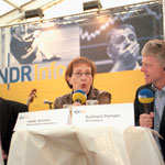 Tag der offenen Tür beim NDR. (die Reaktion des Herrn im Hintergrund hat nichts mit dem Redebeitrag zu tun ...) Quelle: NDR