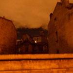 rue Demons par une nuit de lumière orange 22h Bordeaux