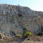 Tagliate artificiali nella calcarenite (Località Pisciarello, Tarquinia)