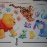 Wand-Sticker Winnie Pooh Löwenzahn (Nr.11) Grösse Bogen 66 X 33cm Bild 90 X 50cm Die Sticker sind einzeln abnehmbar, so kann das Bild nach den eigenen Wünschen gestaltet werden. Preis Fr 15.00