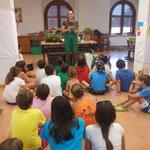 Taller de jardinería con niños a petición de una asociación.