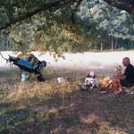 01.09.2009: Belgische Familie, Jean-Luc & Anny mit ihrer 10 Monate alten Tochter und ihrem 'Einradfamilienpilgermobil'