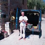 05.09.2009: Marcel vor seinem Lieferwagen