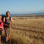 10.08.2009: Sara & Jesus vor einer tollen Schafsherde