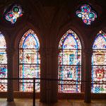 """28.08.2009: Buntglasfesnter in der Kathedrale von """"León"""""""