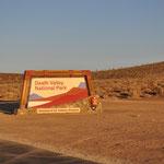 Einfahrt ins Death Valley.